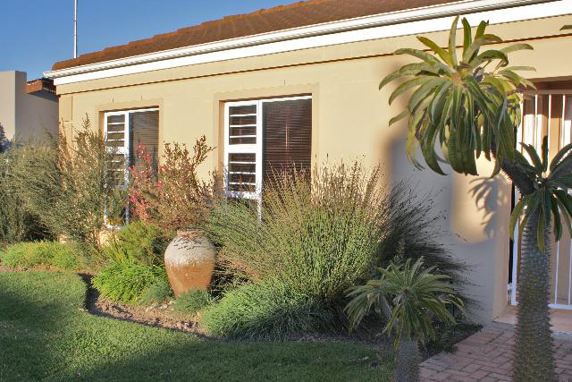 Property For Sale in Uitzicht, Durbanville 10