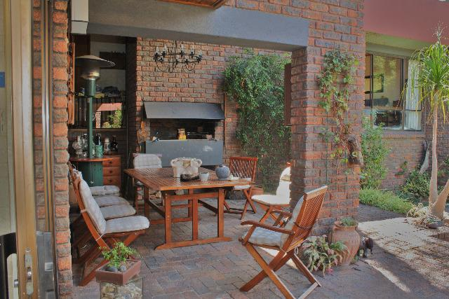 Property For Sale in Sonstraal, Durbanville 9
