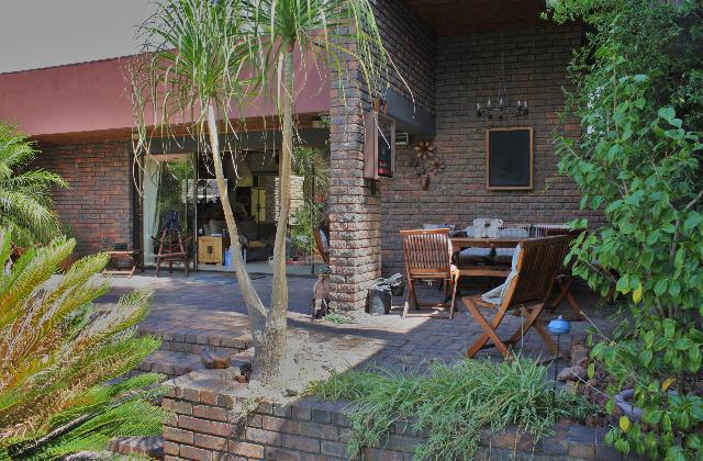 Property For Sale in Sonstraal, Durbanville 26