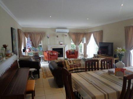 House For Sale in Vierlanden, Durbanville