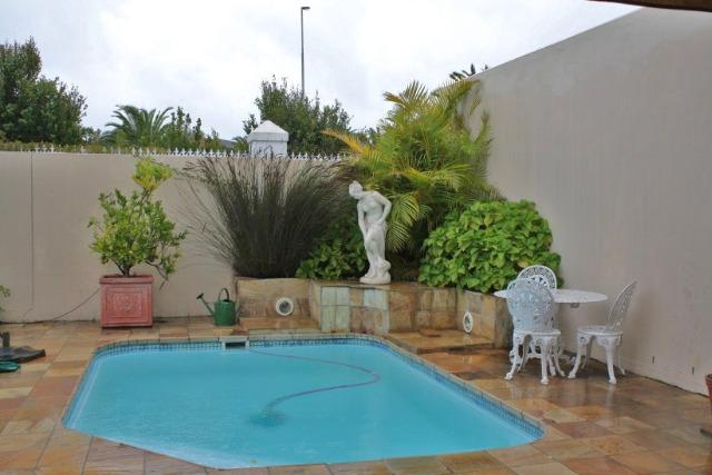 Property For Sale in Vergesig, Durbanville 7
