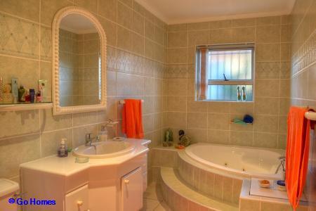 Property For Sale in Durbanvale, Durbanville 9
