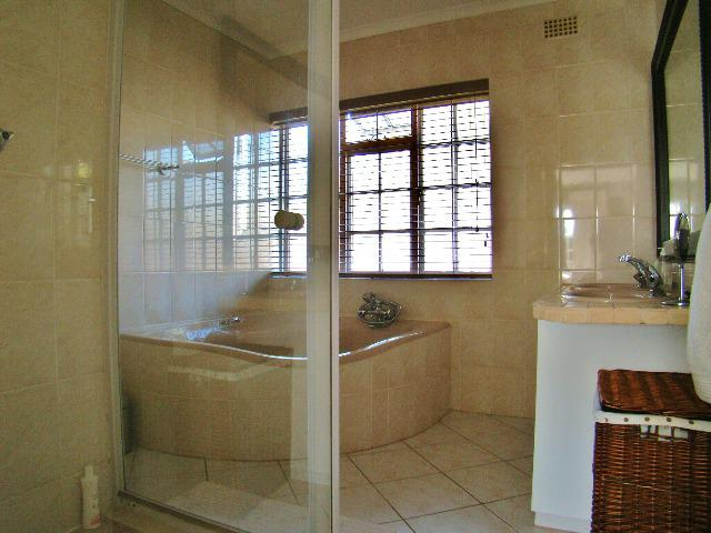 Property For Sale in Sonstraal, Durbanville 13