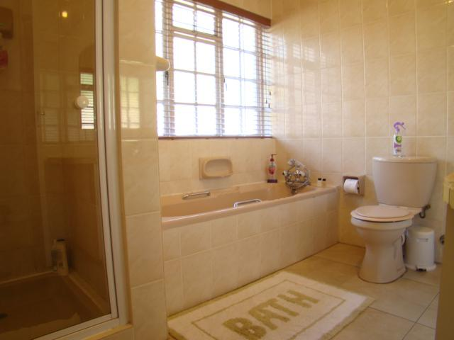 Property For Sale in Sonstraal, Durbanville 16
