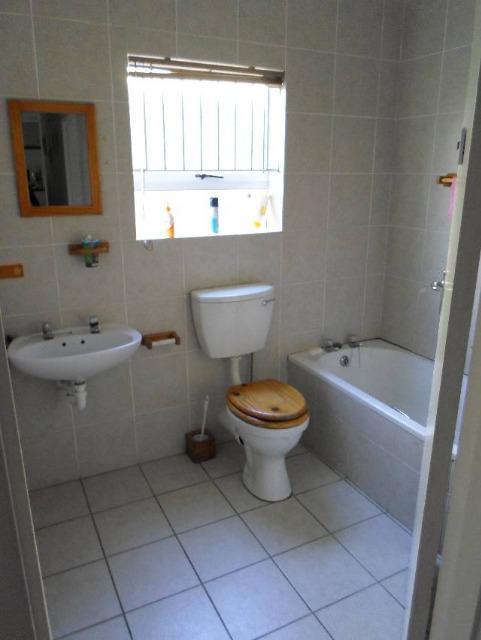 Property For Sale in Uitzicht, Durbanville 8