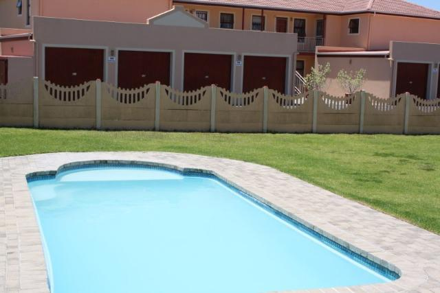 Property For Sale in Wellway Park East, Durbanville 14