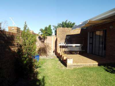 Property For Sale in Sonstraal Heights, Durbanville 15