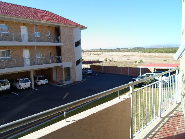 Property For Sale in Uitzicht, Durbanville 8