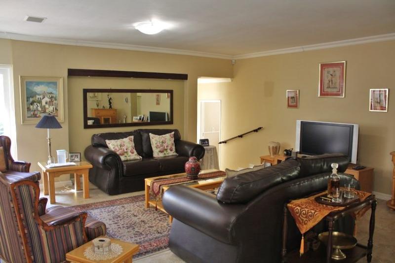 Property For Sale in Aurora, Durbanville 12