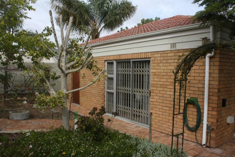 Property For Sale in Sonstraal East, Durbanville 23