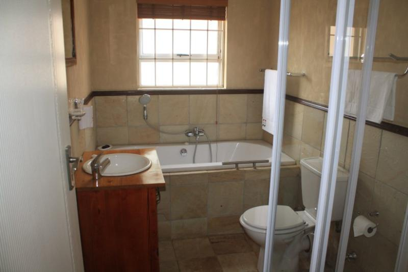 Property For Sale in Sonstraal East, Durbanville 25