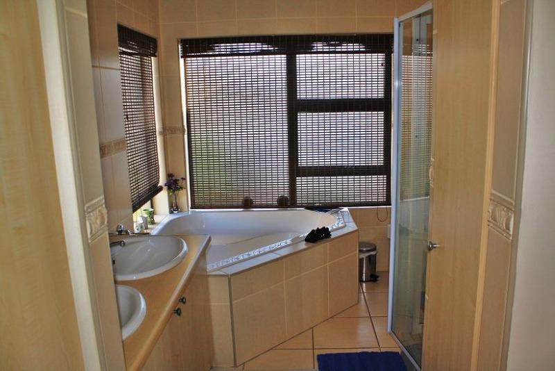 Property For Sale in West Beach, Cape Town 18