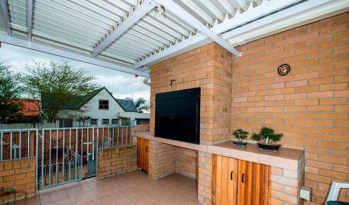 Property For Sale in Uitzicht, Cape Town 11