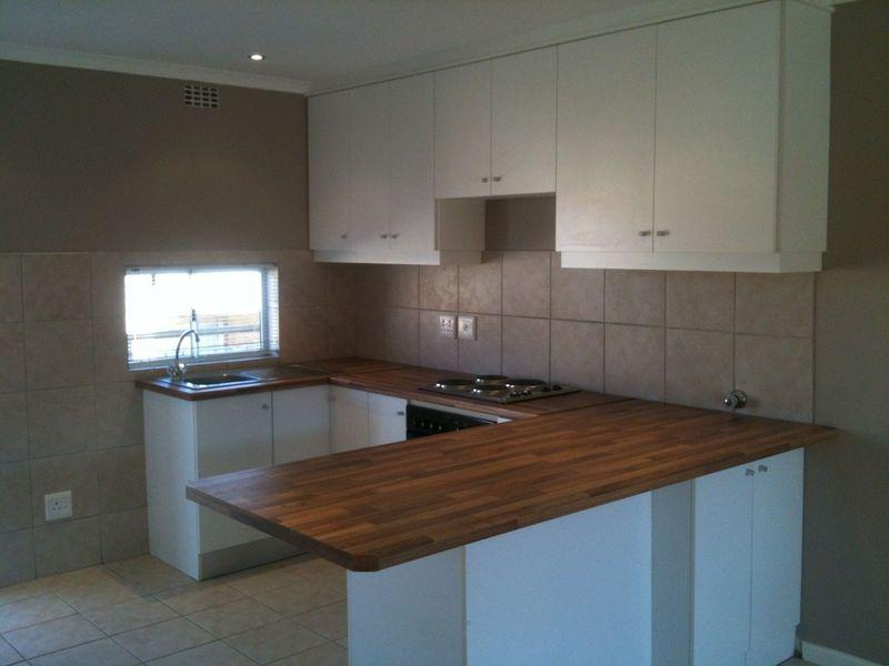 Property For Sale in Uitzicht, Durbanville 6