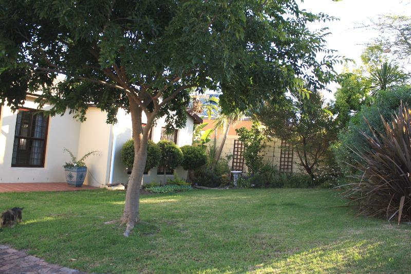Property For Sale in Uitzicht, Cape Town 27