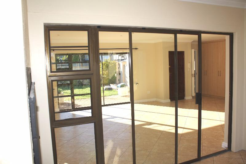 Free standing spacious Townhouse For Sale in Goedemoed, Durbanville