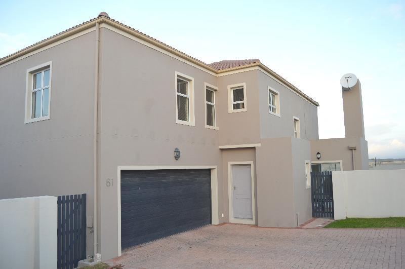 Property For Rent in Uitzicht, Cape Town 29