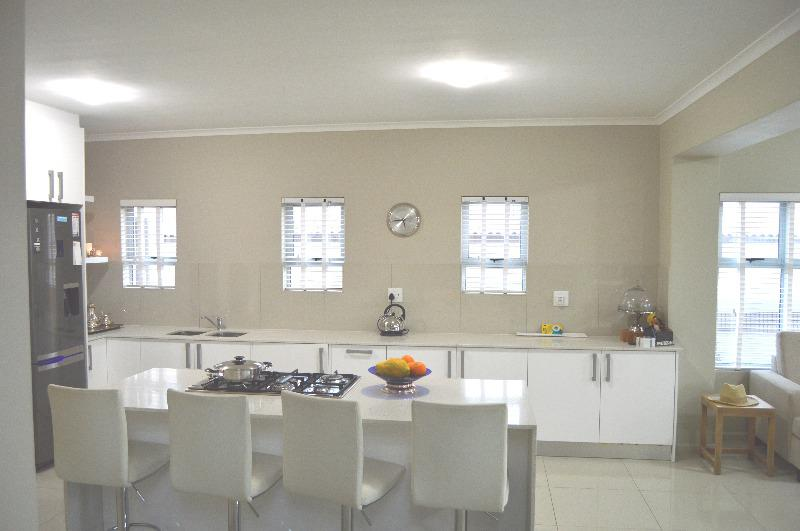 Property For Rent in Uitzicht, Cape Town 14