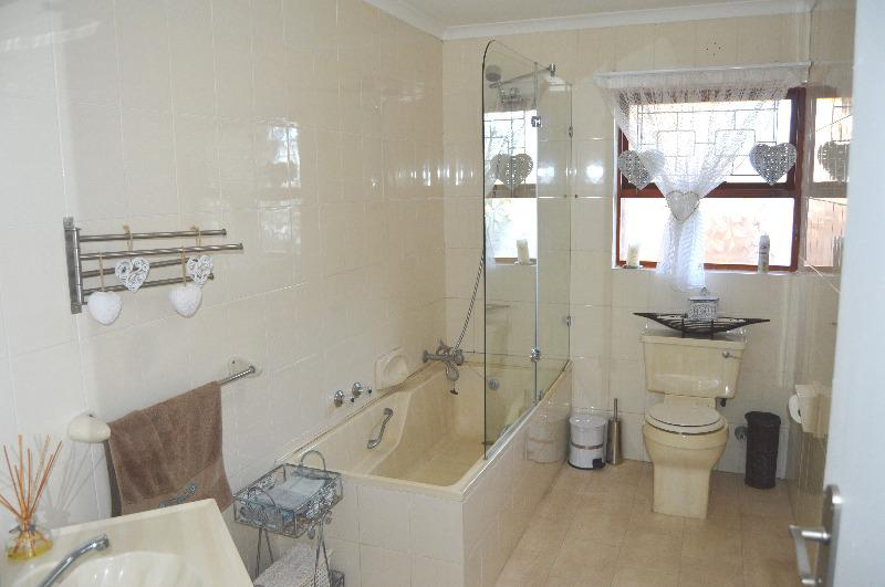 Property For Sale in Schoongezicht, Durbanville 16