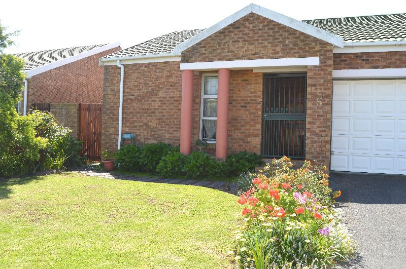 Property For Sale in Tara, Cape Town 3