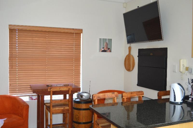 Property For Sale in Van Riebeeckshof, Bellville 8