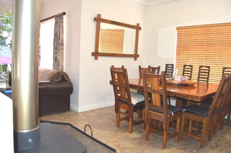 Property For Sale in Van Riebeeckshof, Bellville 13