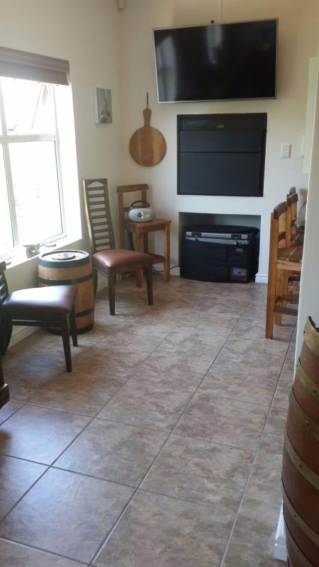 Property For Sale in Van Riebeeckshof, Bellville 10