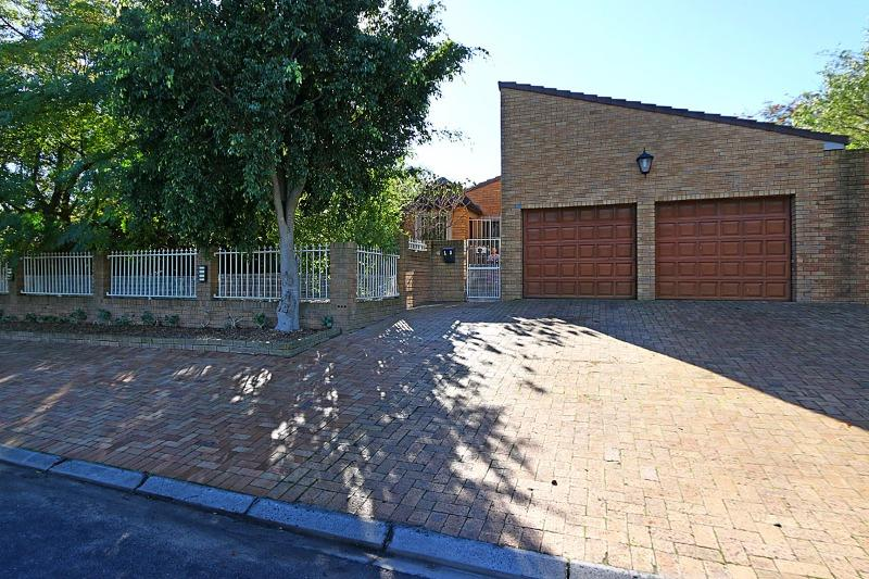 Property For Sale in Goedemoed, Durbanville 21