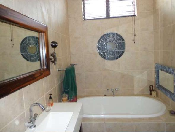Property For Sale in Vergesig, Durbanville 18