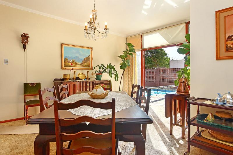 House For Sale in Boston, Bellville