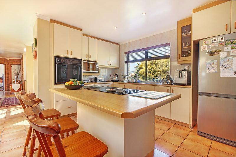 Property For Sale in Everglen, Durbanville 11