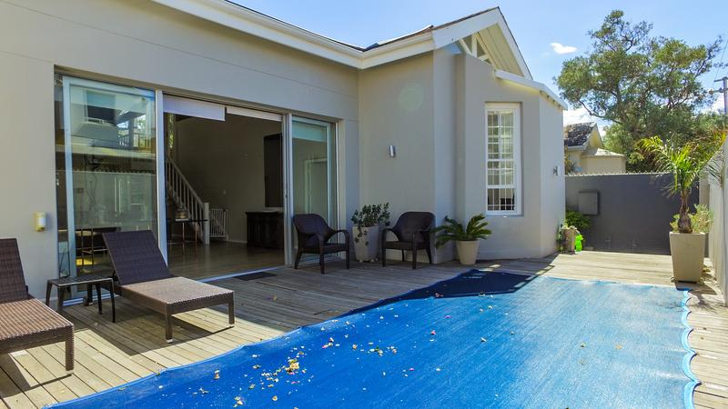 Property For Sale in Gardens, Cape Town 4