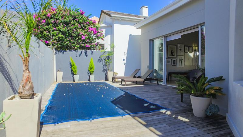 Property For Sale in Gardens, Cape Town 3