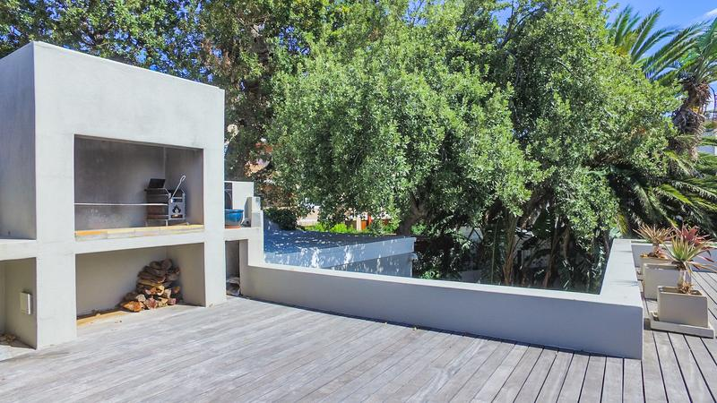 Property For Sale in Gardens, Cape Town 27