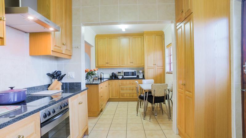 Property For Sale in La Rochelle, Bellville 6