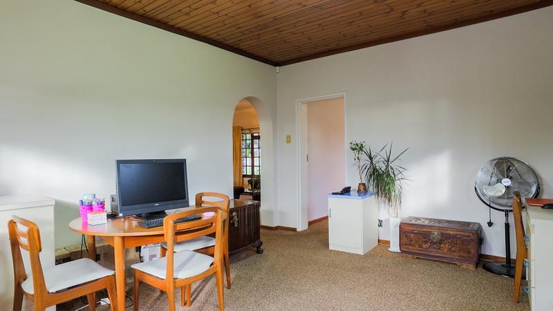 Property For Sale in La Rochelle, Bellville 9