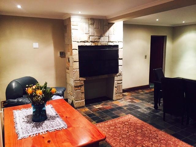 Property For Sale in Durmonte, Durbanville 13
