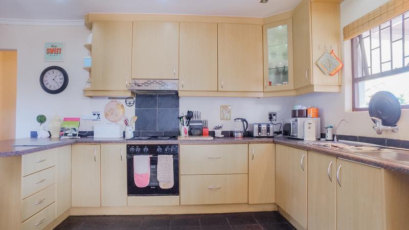 Property For Sale in Durmonte, Durbanville 9