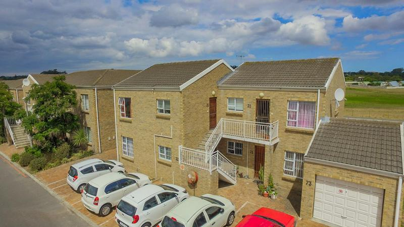 Property For Sale in The Crest, Durbanville 11