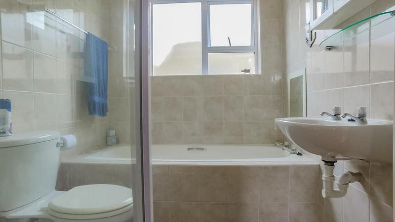 Property For Sale in The Crest, Durbanville 10