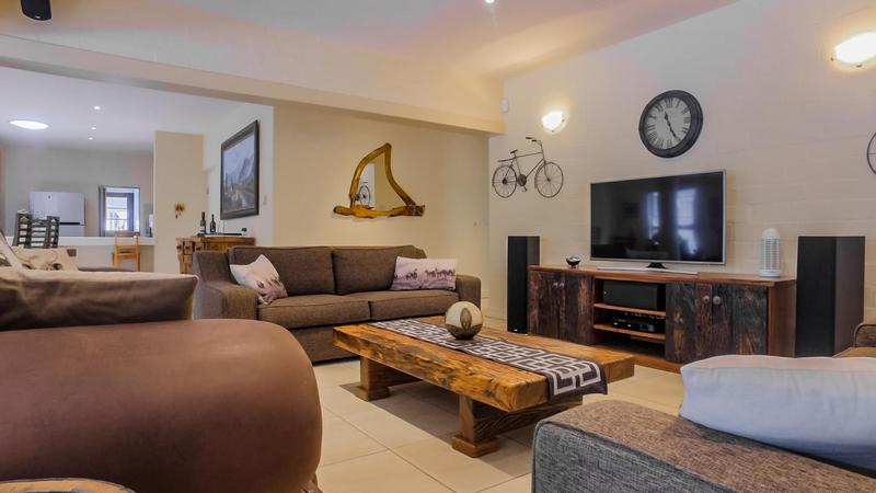 Property For Sale in D'Urbanvale, Cape Town 8