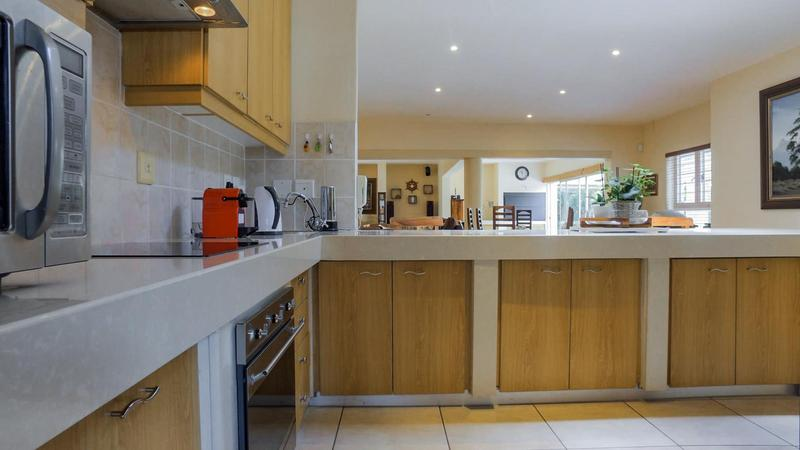 Property For Sale in D'Urbanvale, Cape Town 12