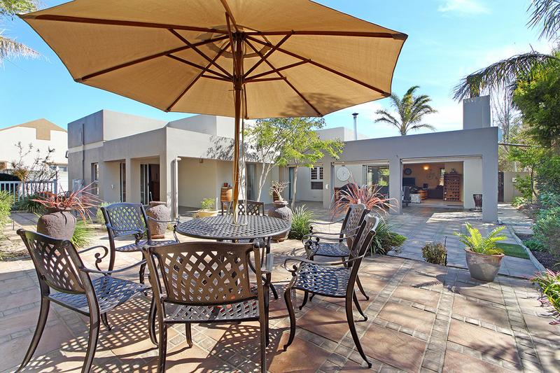 Property For Sale in D'Urbanvale, Cape Town 24