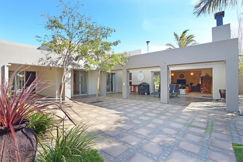 Property For Sale in D'Urbanvale, Cape Town 26