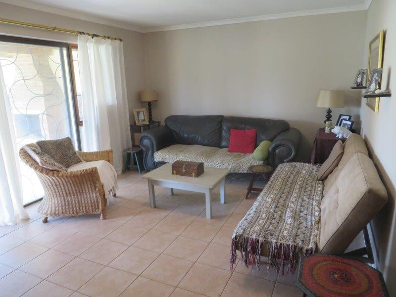 Property For Sale in Uitzicht, Cape Town 4