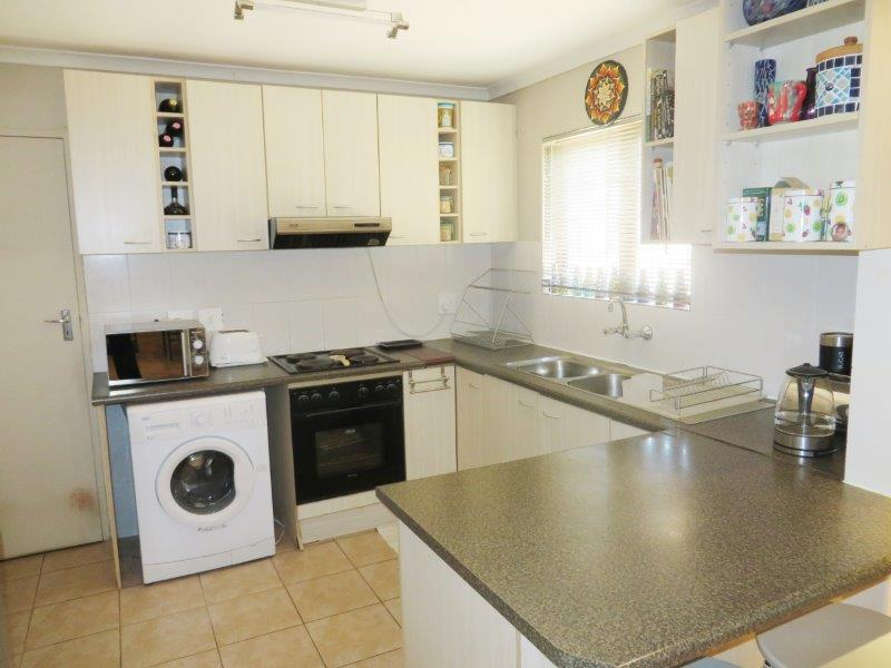 Property For Sale in Uitzicht, Cape Town 10
