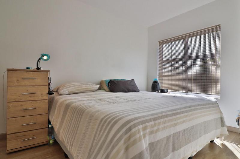 Apartment / Flat For Rent in Durbanville Central, Durbanville