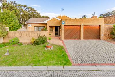 Property For Sale in Vergesig, Durbanville