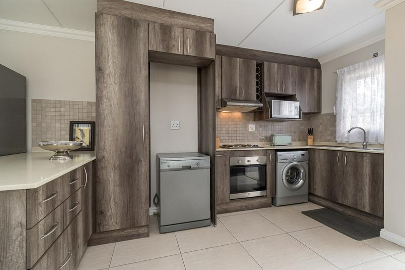 Property For Sale in Buh-rein, Cape Town 3