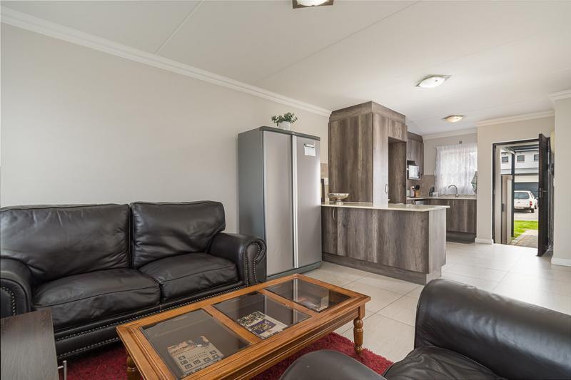 Property For Sale in Buh-rein, Cape Town 7